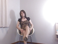 Slut TG Emma Lee teasin in glossy pantyhose