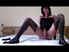 Crossdresser Lisa masturbating