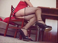 Turkish Maid- Under Table Upskirt